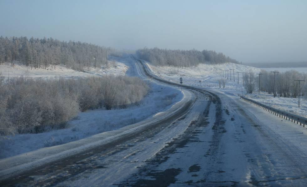 Um trecho da Estrada dos Ossos, na província russa de Kolimá.