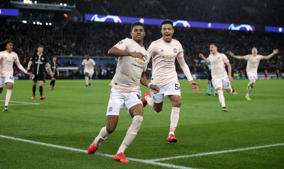 Rashford comemora o gol nos acréscimos contra o PSG.