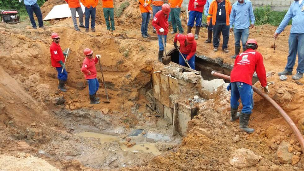 Operação policial contra a extração ilegal de óleo da Petrobras.