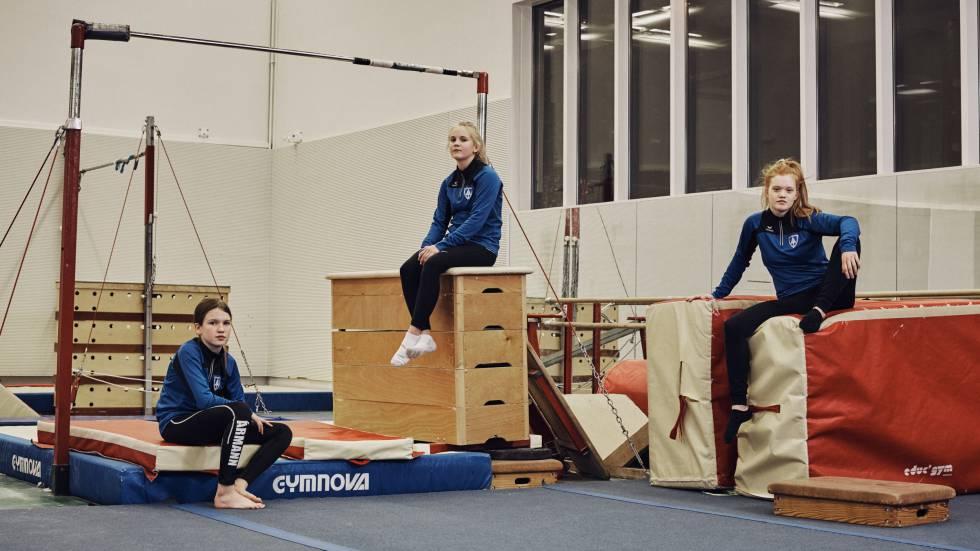 Meninas numa academia de Reykjavik