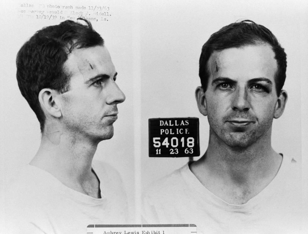 Lee Harvey Oswald, detido após o atentado contra Kennedy.