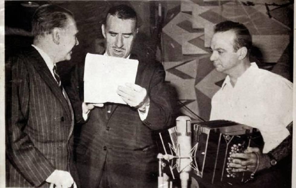 Capa do disco 'El tango', com letras de Borges e música de Astor Piazzolla. Canta Edmundo Rivero (centro).