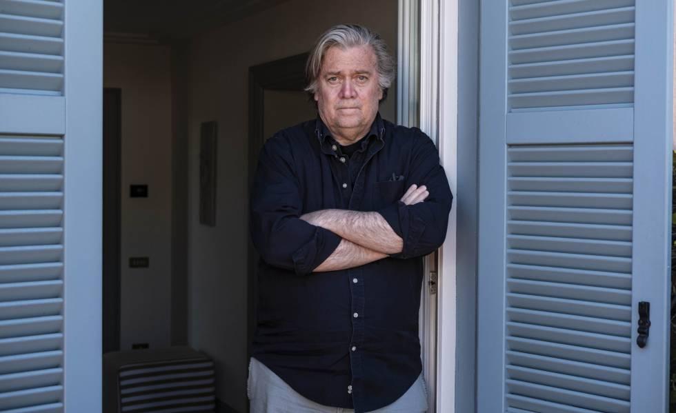 Steve Bannon, no quarto de seu hotel em Roma neste domingo