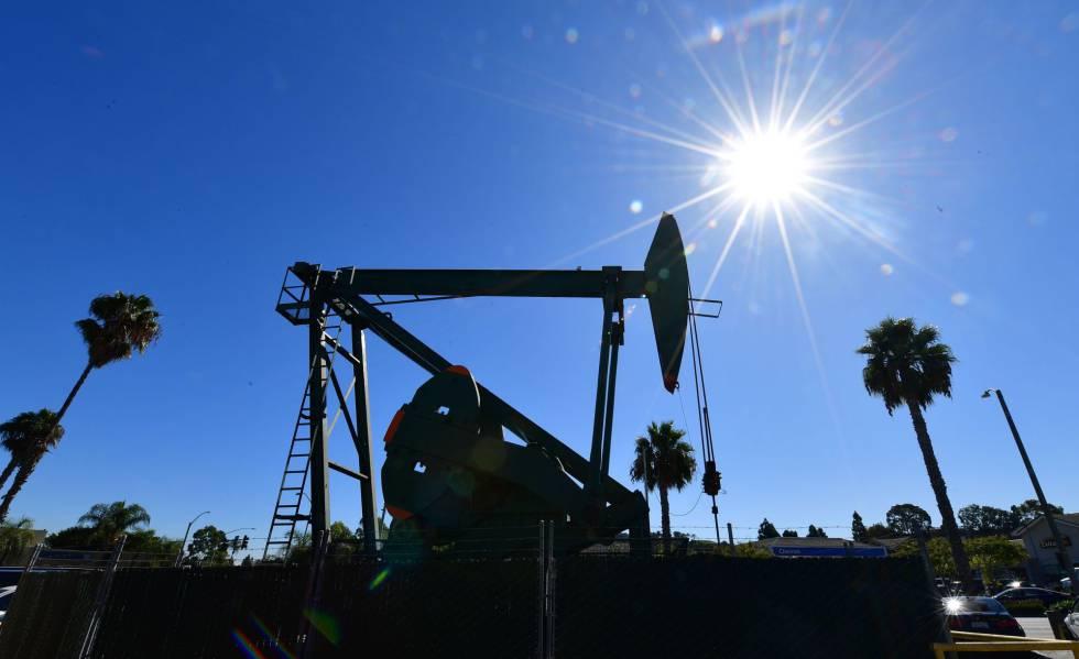 Complexo da companhia Signal Hill Petroleum, com sede na Califórnia, em outubro passado.
