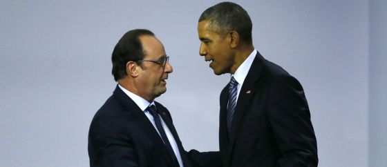 Hollande (esquerda) e Barack Obama na COP21.