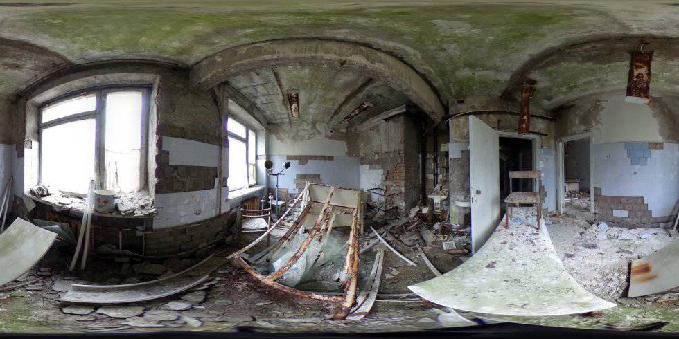 Equipes médicas oxidados em uma habitação de um antigo hospital em Pripyat (Ucrânia).