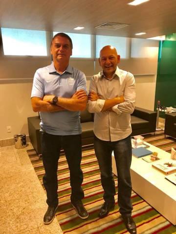 Jair Bolsonaro e seu cabo eleitoral, Luciano Hang, dono das lojas Havan