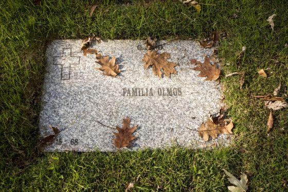 A lápide que supostamente guarda os restos mortais de Jorge Videla.