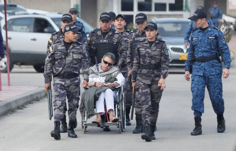 O ex-chefe guerrilheiro Jesús Santrich, na saída da prisão de La Picota.