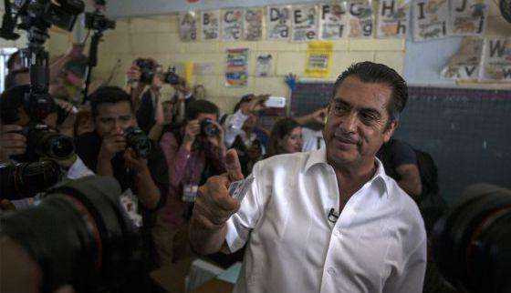 """Jaime Rodriguez, """"El Bronco"""", vota domingo."""