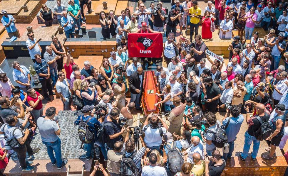 Enterro de Vavá, irmão de Lula, nesta quarta.