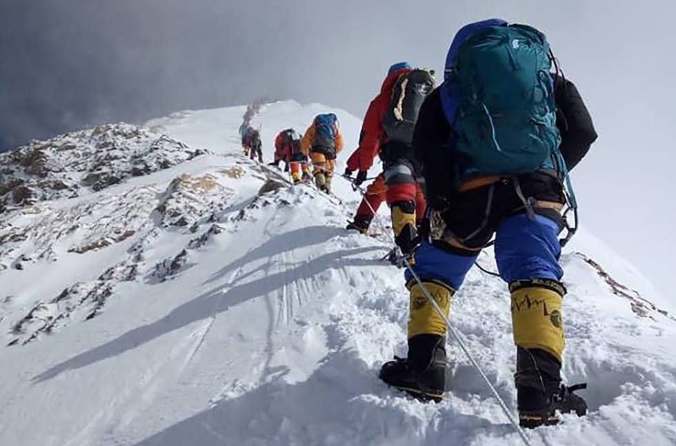 Ascensão ao topo do Everest, em 2018.