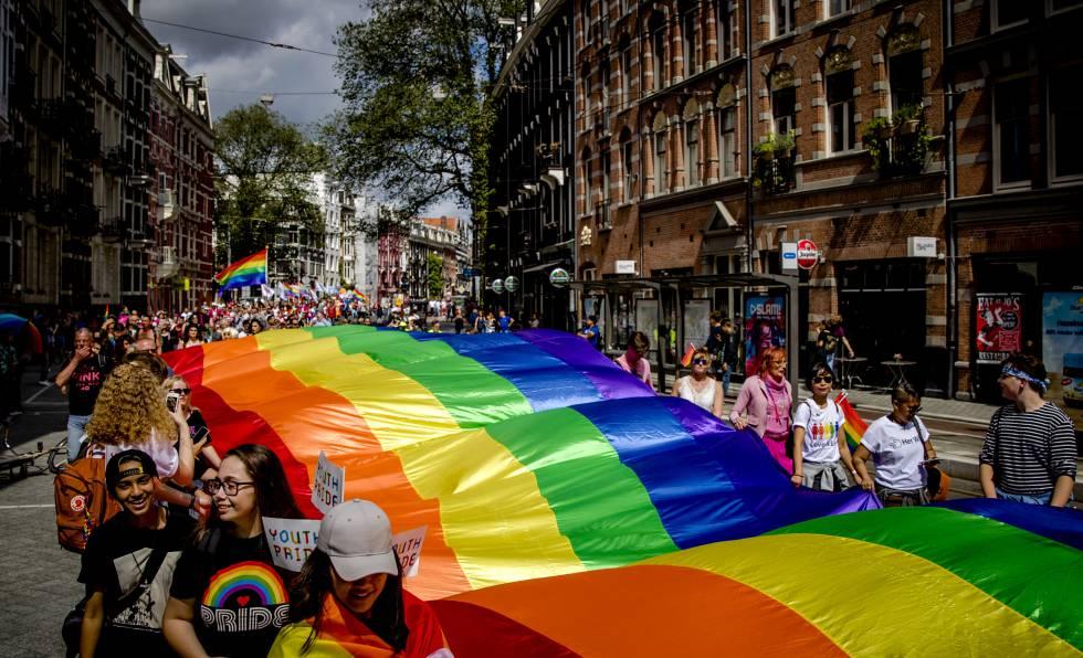 A Marcha do Orgulho em Amsterdã, Holanda, em julho de 2017.