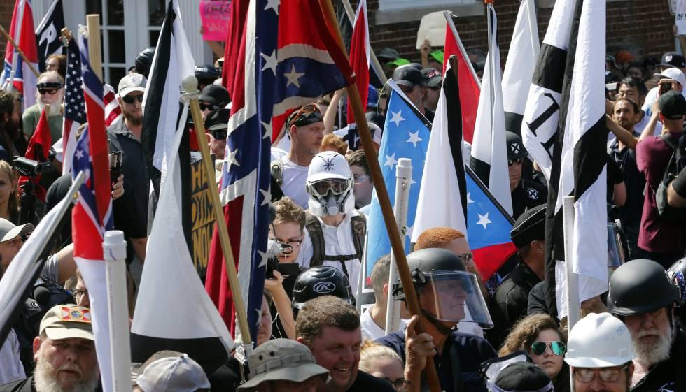 Supremacistas brancos na manifestação do passado sábado em Charlottesville.