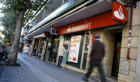 Uma agência do Banco Santander em Madri.
