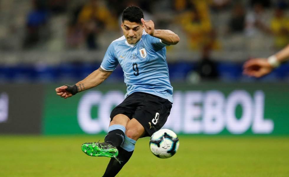 Suárez é esperança de gols para o Uruguai.