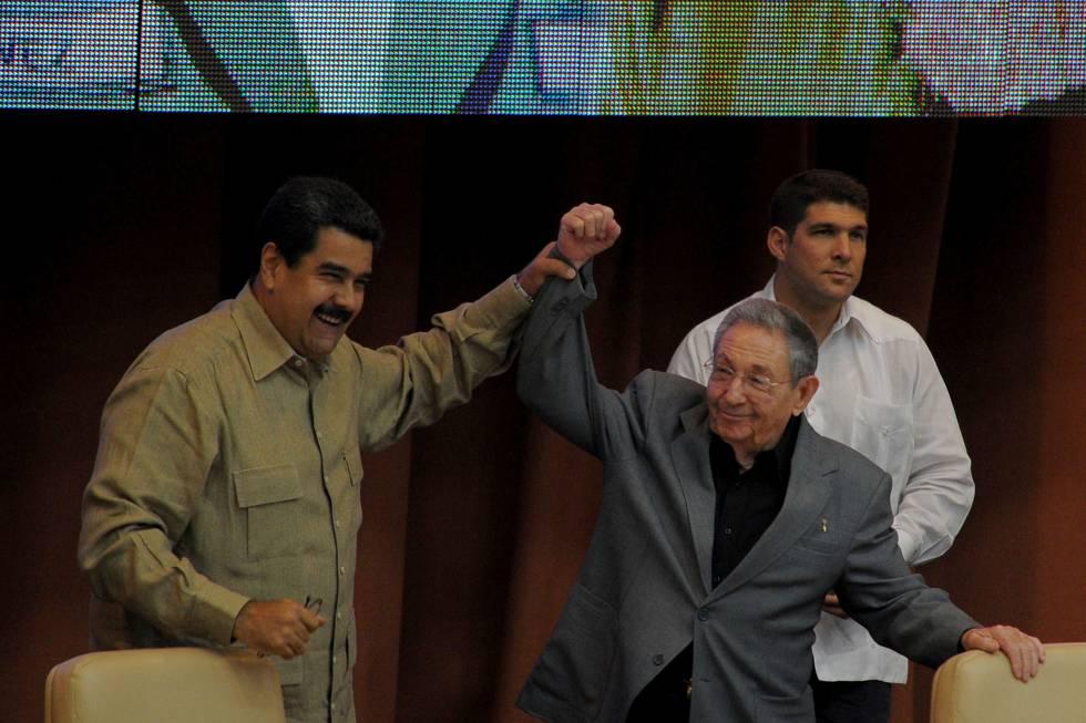 Nicolás Maduro e Raúl Castro em Havana, em dezembro.
