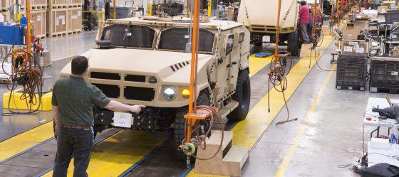Fábrica da empresa de veículos militares AM General em Mishawaka (Indiana).