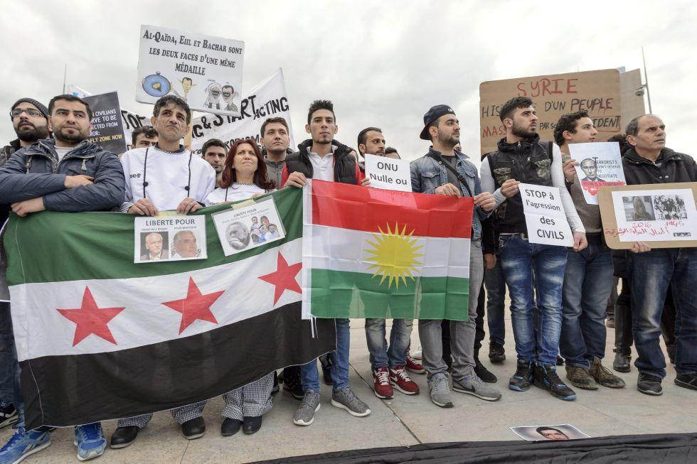 Manifestação contra o regime sírio em Genebra, Suíça, na sexta-feira da semana passada.