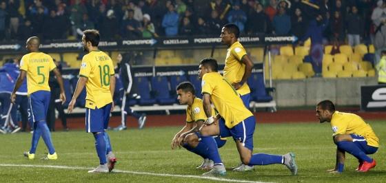 A seleção brasileira, após perder para o Paraguai.