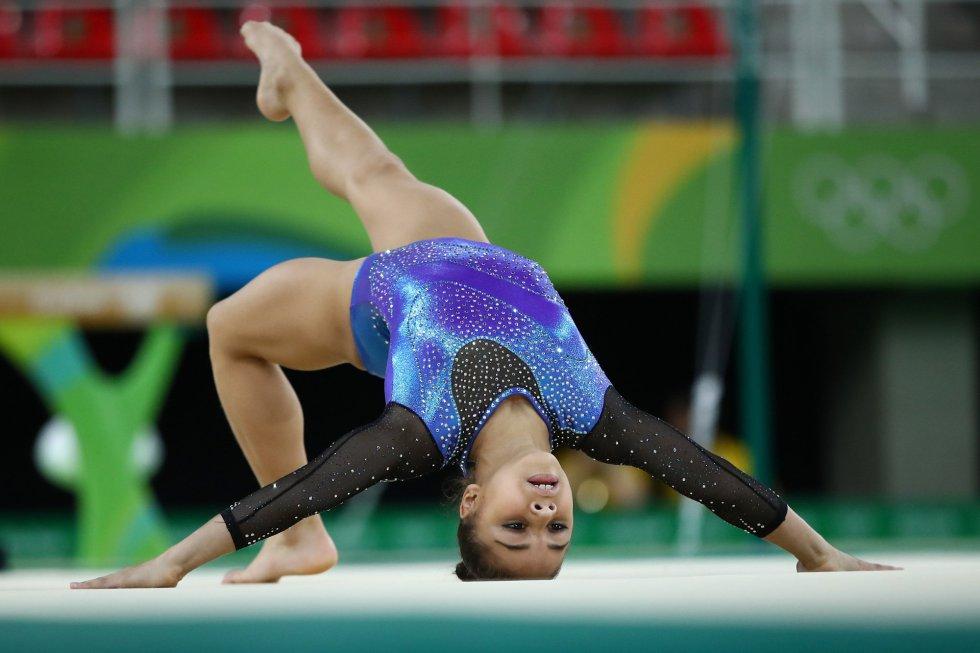 Flavinha Saraiva na gala da ginástica da Rio 2016. É uma jornada tradicional dos Jogos, quando os ginastas se apresentam livremente e fazem festa. A estrela brasileira, apesar de ter ficado em quinto, foi convidada para o evento.