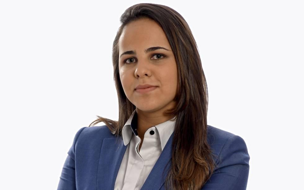 Isabelly Morais, primeira mulher a narrar um jogo de Copa no Brasil.