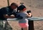 O acidente aconteceu em um campo de treino ao ar livre nos EUA, enquanto os pais da menor gravavam a aula