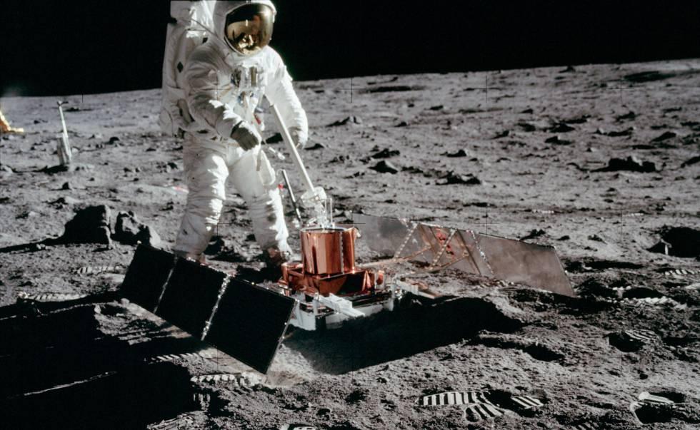 O astronauta Buzz Aldrin, da Apollo 11, instalou um sismógrafo que funcionou por apenas três semanas.