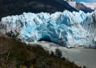 Fenômeno acontece a cada quatro ou cinco anos, quando a geleira e a montanha se chocam. Perito Moreno é a única geleira acessível de carro