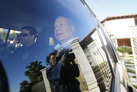 José Dirceu ao ser preso pela Polícia Federal nesta segunda-feira.