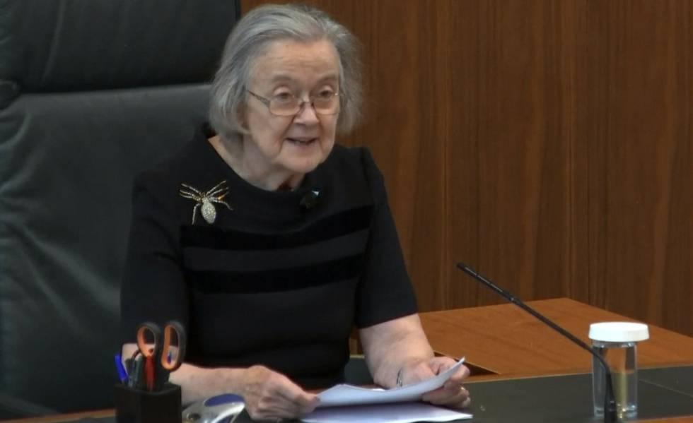 Brenda Hale, presidenta do Supremo, lê a sentença.