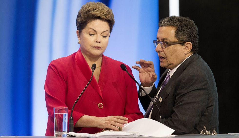 Dilma conversa com João Santana em 2014.
