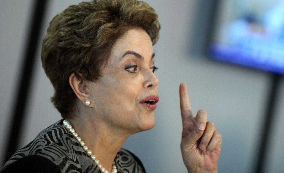 Dilma Rousseff fala com a imprensa nesta sexta.