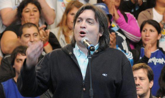 Máximo, filho de Néstor e Cristina Kirchner, discursa em Buenos Aires.