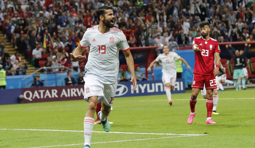 Diego Costa comemora gol marcado contra o Irã.