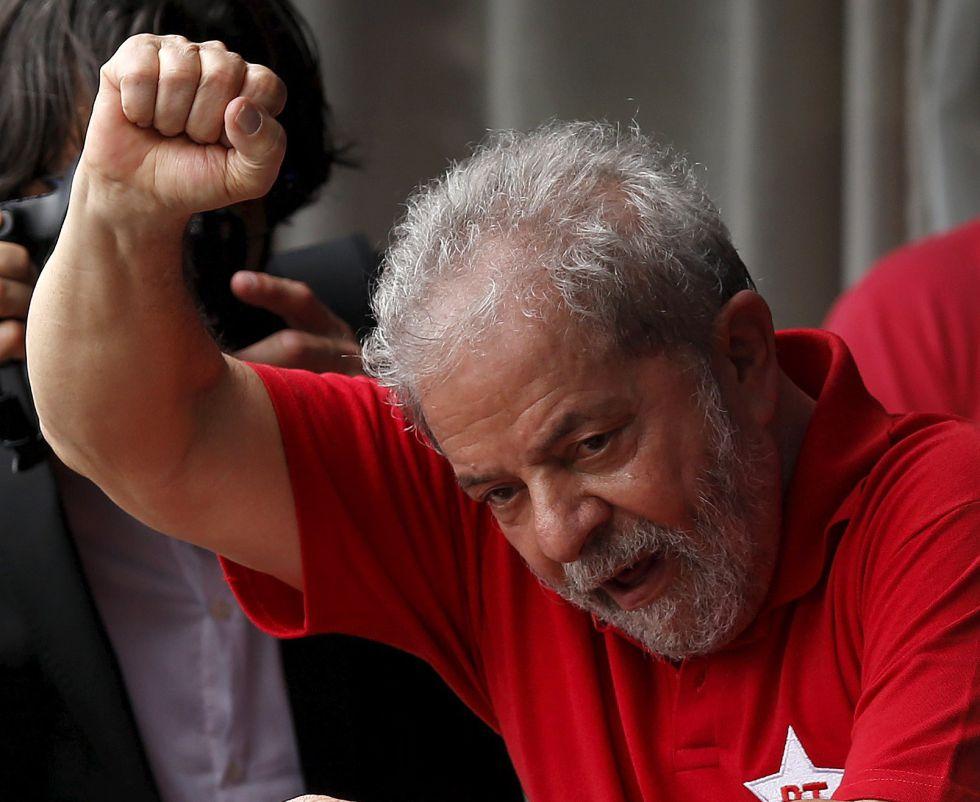 O ex-presidente Lula, neste sábado em sua casa em São Bernardo do Campo, São Paulo.