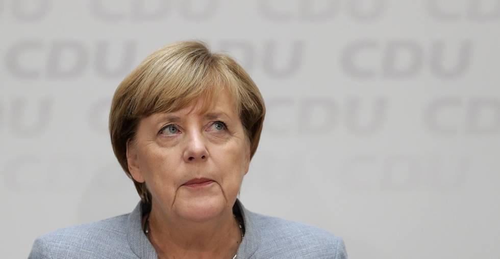A chanceler Angela Merkel, em uma coletiva de imprensa na segunda-feira em Berlim, após as eleições do dia 24