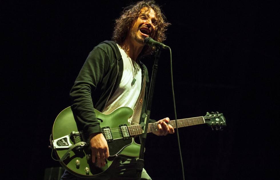 Chris Cornell, em uma apresentação do Soundgarden em maio de 2013.