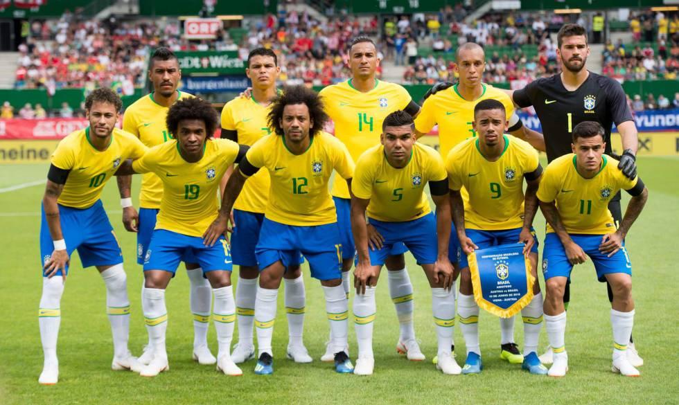 Seleção brasileira estreia na Copa neste domingo.