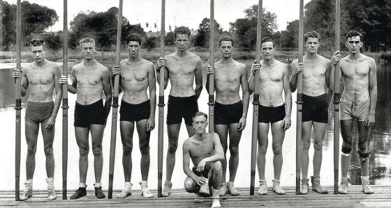 A equipe de remo dos EUA que conseguiu o ouro em 1936.