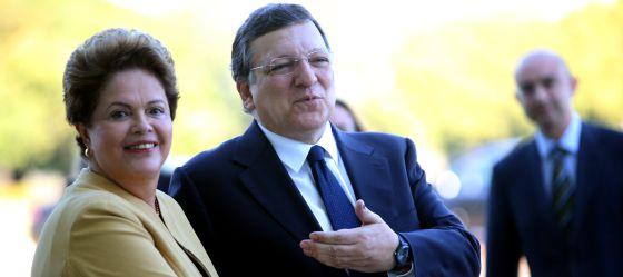 Dilma e Barroso, em Brasília em julho.