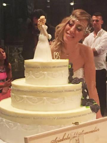 A italiana Laura Mesi casou sem parceiro(a)