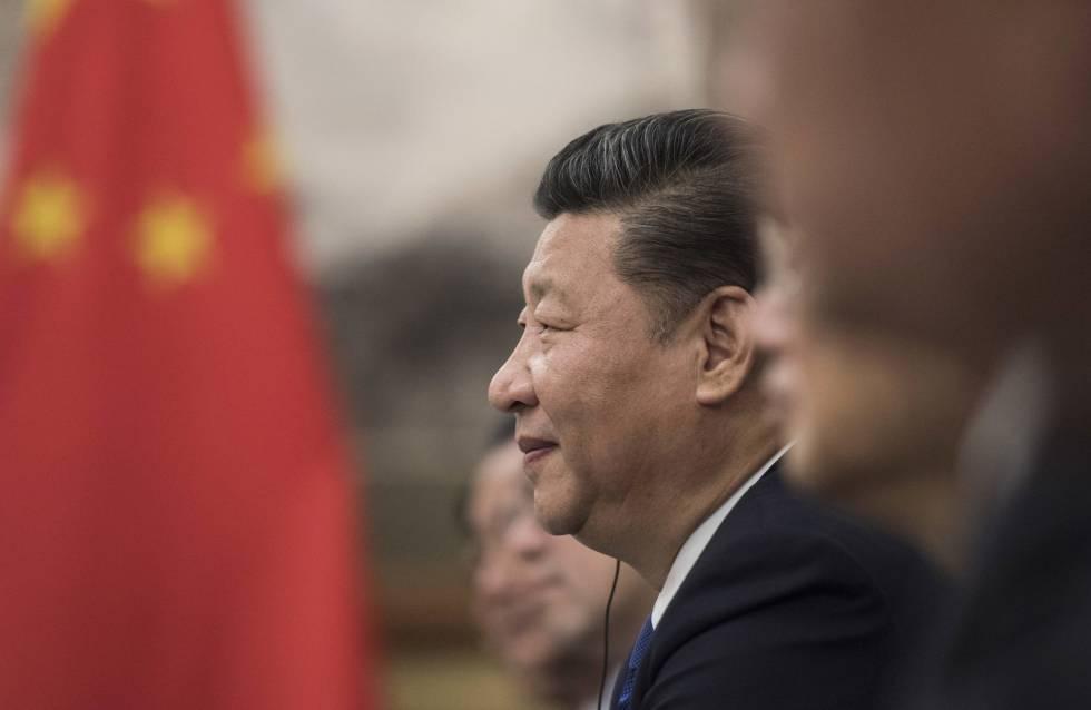 O presidente chinês, Xi Jinping, em reunião com o primeiro-ministro canadense, Justin Trudeau, em Pequim.
