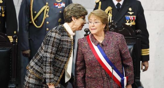 A presidenta do Senado chileno e Michelle Bachelet.
