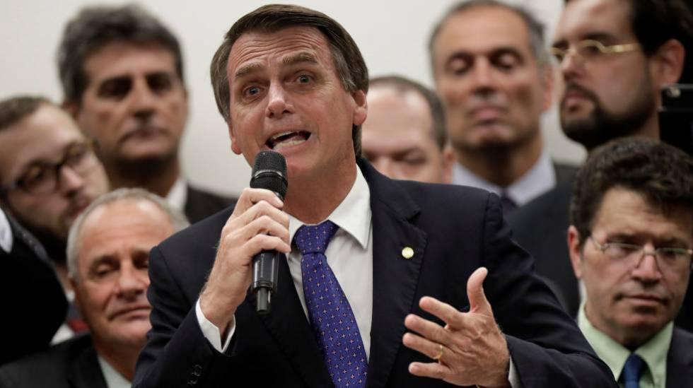 Jair Bolsonaro discursa em ato de filiação ao PSL.