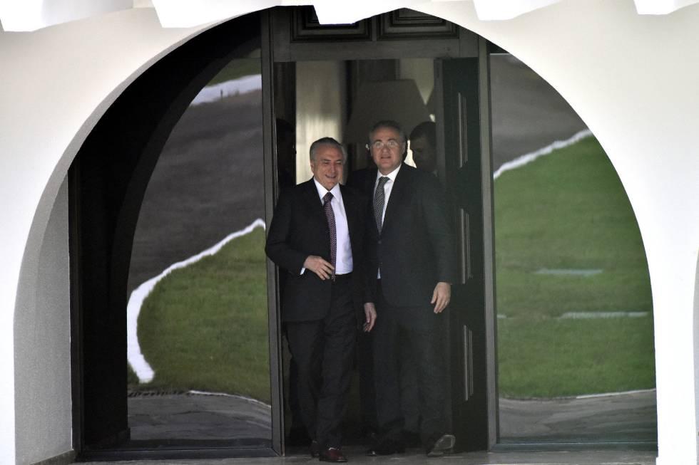 Michel Temer e Renan Calheiros em Brasília, após uma reunião nesta terça, 10 de maio.