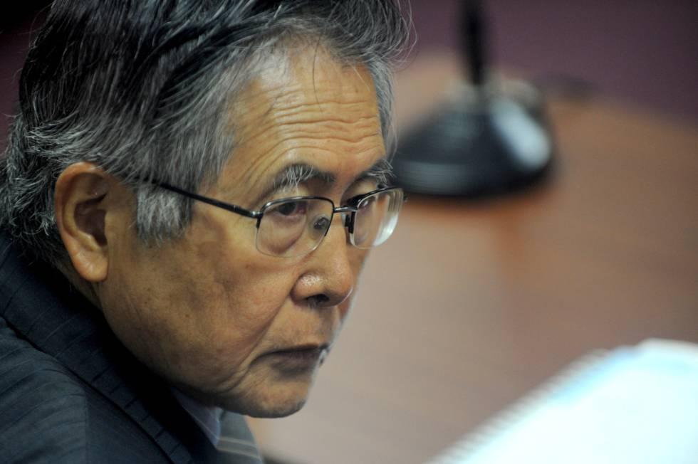 Alberto Fujimori durante julgamento em 2009.