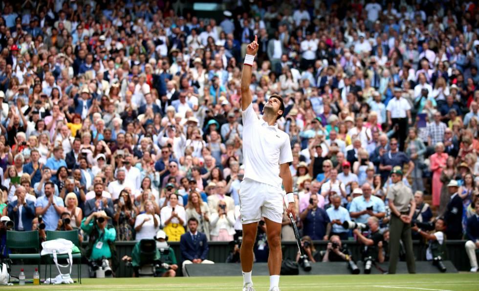 Djokovic celebra seu triunfo contra Federer.
