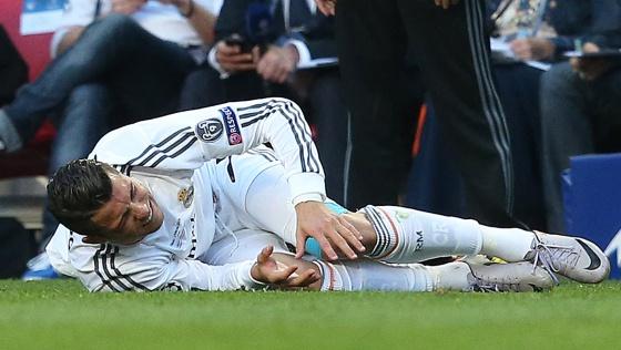 Cristiano sente o joelho na final da Liga dos Campeões.