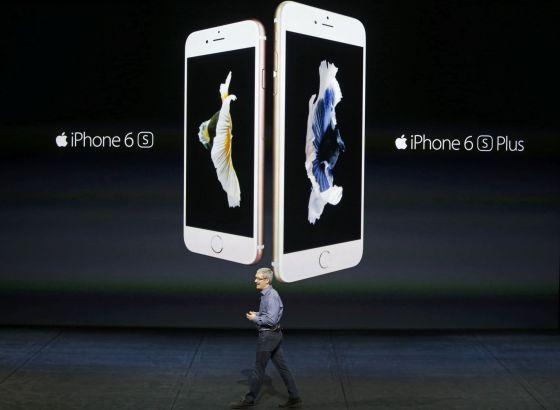 Tim Cook, CEO de Apple, apresenta o iPhone 6s e o iPhone 6sPlus .